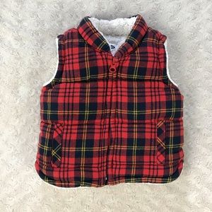 Old Navy Plaid Puffer Vest Size 6-12 Months Red